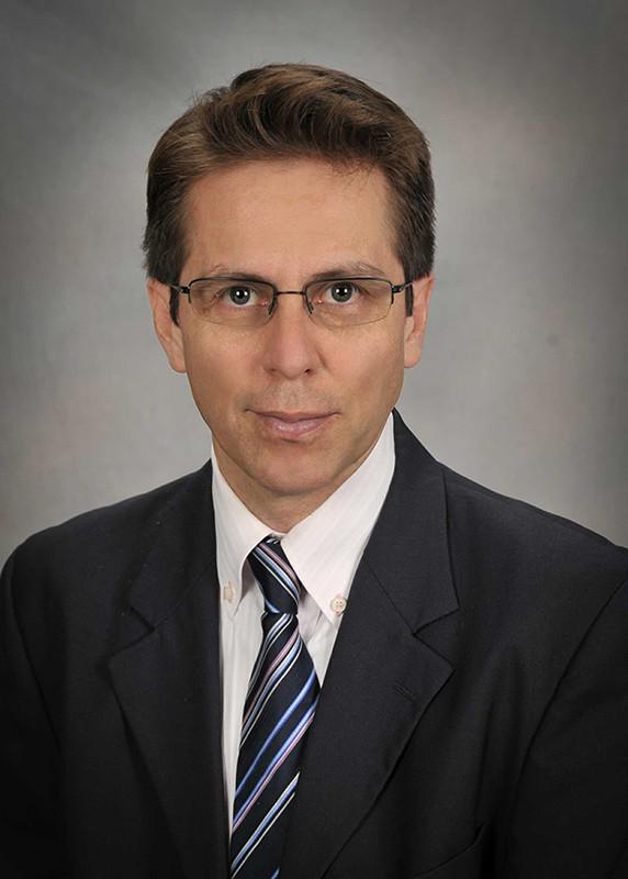 Dr. Homero Castaneda